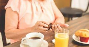 không uống cà phê khi uống thuốc