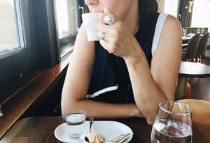 Nên uống cafe giảm cân sau khi ăn