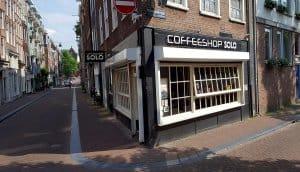 quán cafe dễ nhìn thấy