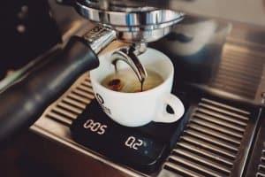 Pha cà phê Americano