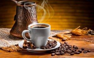 dùng ấm Moka pha cà phê