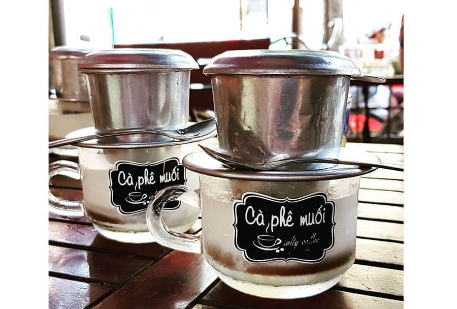 thưởng thức cà phê muối